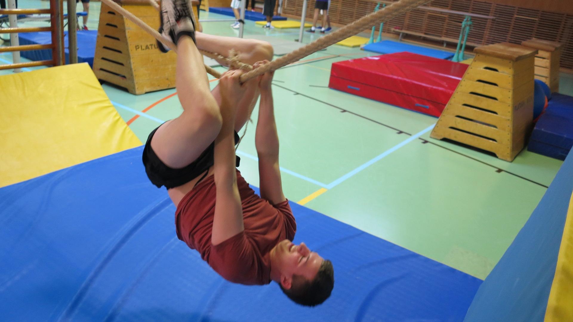"""Ninja Warrior"""" im Sportunterricht – Bundesgymnasium und ..."""